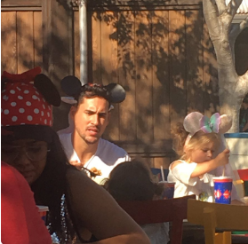 Josh Murray, Amanda Stanton Head To Disney Land: Couple Isn't Hiding Relationship