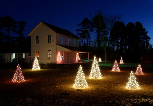 Crab Pot Lighted Christmas Tree For a Great Indoor Or Outdoor Tree This Year