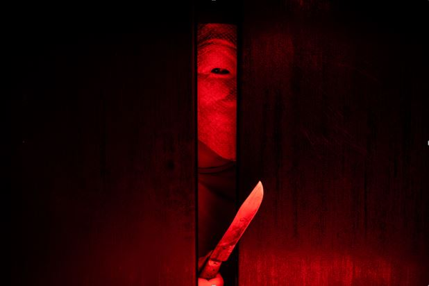 4 Award-Winning Movies Based on Serial Killer, Ed Gein