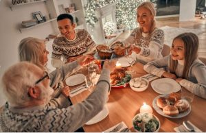 4 Ways to Better Connect with Family During Holidays